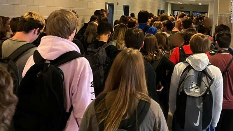 Georgia Student Suspended After Posting Picture Of Crowed Hallway